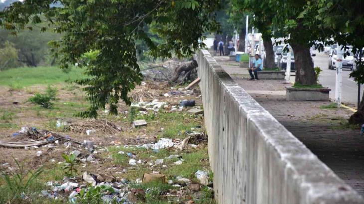 Margen del río Grijalva registra una gran cantidad de basura, hay hasta jeringas usadas