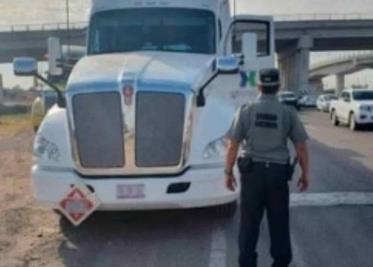 Detienen entre disparos a tres sujetos por robo de autos en Ruiz Cortines