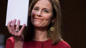 Confirma Senado de EU a Amy Coney Barrett como juez de la Corte Suprema