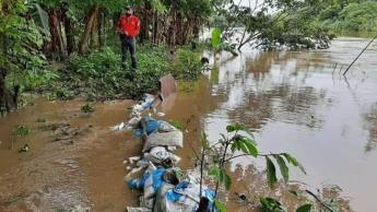 Se desborda río La Sierra; genera anegaciones en comunidades de Jalapa