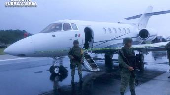 Aterriza en Chetumal avioneta cargada con 1.5 toneladas de cocaína