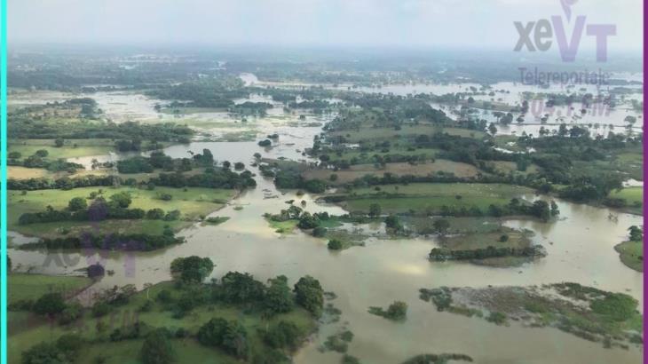 Sobrevuela SEDENA zonas afectadas por inundaciones en Tabasco