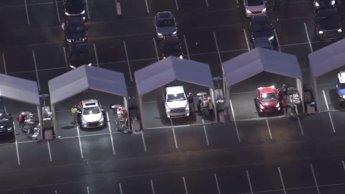 Estacionamiento de Los Cardenales de Arizona se convierte en centro de vacunación masiva de 24 horas