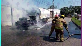 Se incendia pipa en periférico de Villahermosa