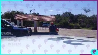 Reportan vehículo calcinado tras accidente automovilístico en Balancán