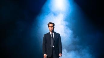 Salen a la luz primeras imágenes de la segunda temporada de Luis Miguel, la serie