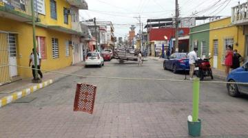 Por falta de energía eléctrica, cierran calle Allende en Villahermosa