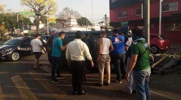 Se registra volcadura de vehículo en Paseo Tabasco