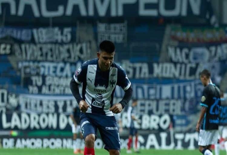 Gallardo celebra gol con Payaso de Rodeo, se lo dedica a Aguirre y a su bebé