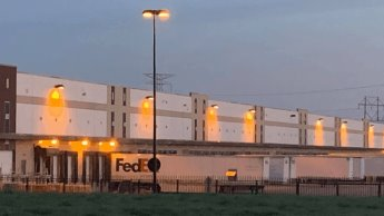 Tiroteo en  almacén de FedEx en Estados Unidos deja al menos 8 muertos