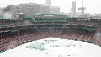 Nieve pospone juego de Medias Rojas y Medias Blancas