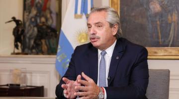 Anuncian en Argentina bono de 6 mil 500 pesos al personal de salud que enfrenta la pandemia