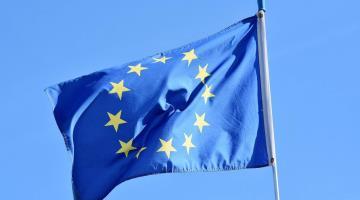 Acuerda Unión Europea reapertura de sus fronteras solo a viajeros vacunados contra el coronavirus