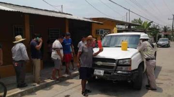 Retienen pobladores de Tocoalt a trabajadores de CFE; les arreglan la luz en una hora