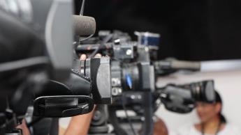 AMLO usa desinformación para atacar a la prensa y calla ante la violencia contra periodistas: Artículo 19