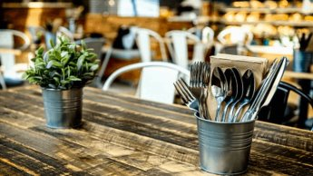 Califican restauranteros de CDMX como injustificado y decepcionante, mismas medidas restrictivas pese a semáforo amarillo