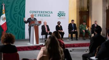 """Ve bien López Obrador que Zaldívar promueva """"consulta"""" sobre la extensión de su mandato"""