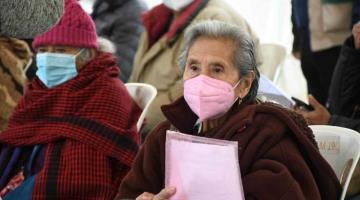 Pensión de adultos mayores se reanuda con aumento en monto y a partir de los 65 años de manera general