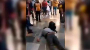 Separan del cargo a policía que habría noqueado a un sujeto que no usaba cubrebocas en el Metro de CDMX