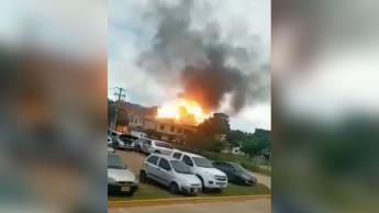 Coche bomba explota en base del ejército de Colombia; se reportan 36 personas heridas