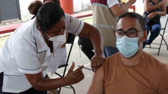 Hoy continúa aplicación de la segunda dosis de la vacuna contra el COVID-19 a adultos de 50 a 59 años de Centro