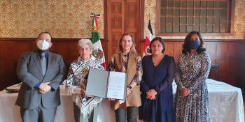 Atestigua Beatriz Gutiérrez Müller firma entre México y Costa Rica, para intercambio de archivos históricos