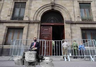 Inundan las redes, memes de Aureoles tras su visita fallida a Palacio Nacional