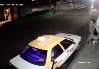 En Pachuca, taxista golpea salvajemente a una mujer