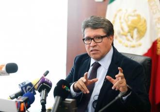 Denuncia senador Ricardo Monreal que su celular fue hackeado