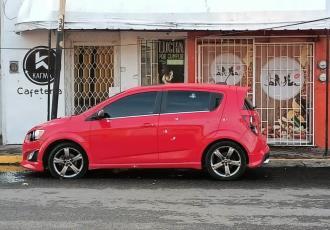 Rafaguean a vehículo en centro de Cárdenas; no se reportan detenidos