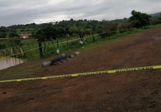 Hallan cinco cuerpos abandonados en Tangamandapio, Michoacán, con huellas de tortura