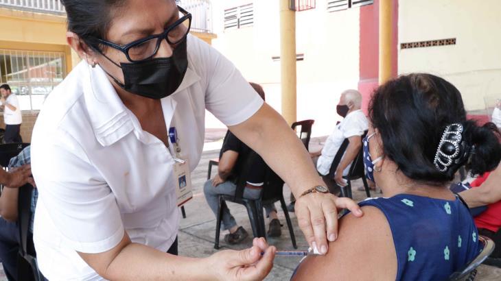 Continuará hoy sábado vacunación de 30 a 39 años en seis municipios