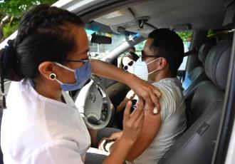Concluye vacunación de 30 a 39 años este domingo en Centro