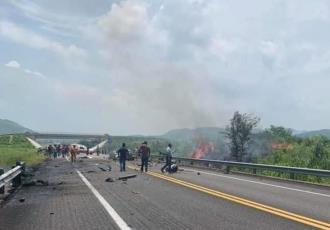 Mueren cuatro personas en accidente automovilístico en la autopista Arriaga-Ocozocoautla