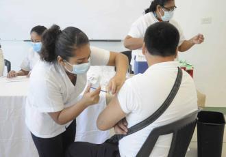 Aplicarán vacuna anticovid a población de 30 a 39 años en Comalcalco y Jalpa del 27 al 31 de julio