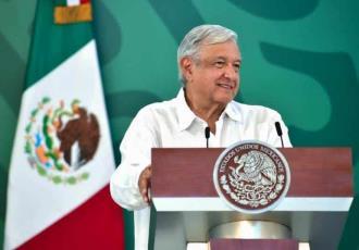 """""""Adversarios, no enemigos"""" así recuerda AMLO a René Juárez Cisneros"""