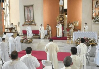 Celebra Obispo de Tabasco ingreso de 77 nuevos alumnos al seminario