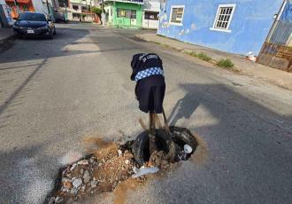 Piden en Atasta reparar hundimiento en calle Libertad