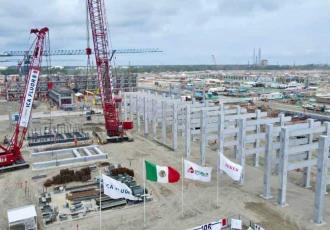 Refinería de Dos Bocas está siendo construida en una zona que Pemex se comprometió a proteger: Bloomberg