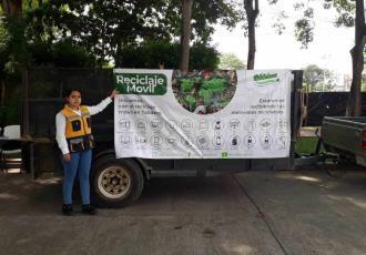 Con campaña móvil empresa privada busca recolectar materiales reciclables