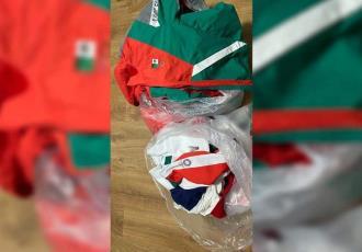 """Considera COM """"agravio a nuestra identidad"""" tirar uniformes a la basura; lamenta que hayan preferido las colchas y almohadas que la indumentaria"""