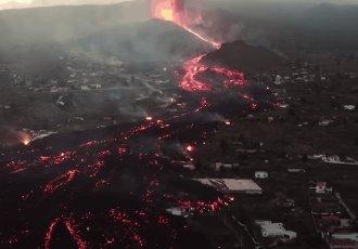 Lava del volcán de La Palma, España, se traga casas a su paso