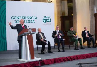 Exhibe Obrador lista de empresas a las que Calderón y Peña Nieto condonaron más de mil mdp de impuestos
