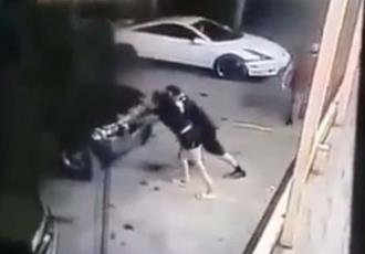 Muere mujer atropellada por su amiga; intentaba arrancar su camioneta en estacionamiento en Sonora
