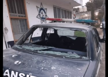 Derrapa pareja de motociclistas en la Coatzacoalcos-Cárdenas, ambos sufren fracturas