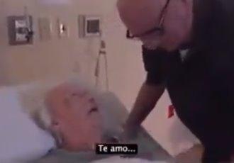 """""""Un millón de veces y más, te amo"""", expresa adulto mayor a su esposa antes de que ella falleciera"""