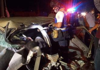 Muere conductor ´prensado´ en accidente sobre la Villahermosa-Cárdenas