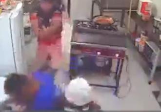 Empleado de una panadería frustra robo; golpea a asaltante con un rodillo para amasar