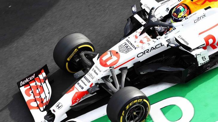 Checo Pérez sube al podio en el GP de Turquía, terminó tercero