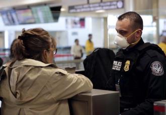 Gobierno de EE. UU. pone fin a arrestos masivos de migrantes en lugares de trabajo